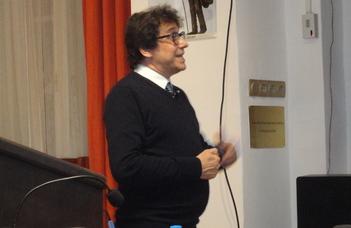 Szabó László (ELTE IK) előadása a februári MÁSz-szakesten.